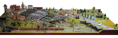 Vista di insieme del plastico. Foto da www.modellbahn-traumanlagen.de