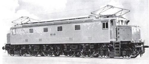 E.428.096 l'ultima delle 6 unità costruite da FIAT (091-096) - si nota l'assenza della griglia antiinfortunistica. Immagine da marklinfan - Foto originale Collezione Nico Molino da Mondo Ferroviario 77