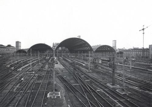 Milano Centrale, da una vecchia cartolina