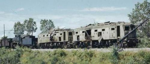 Due semiaerodinamiche danneggiate dai bombardamenti. Immagine tratta da marklinfan.com