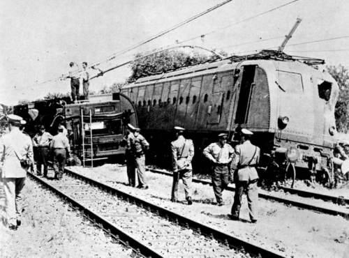 Immagine dell'incidente dell'Espresso del Levante, tratta da Marklinfan. Foto originale proveniente dal Pedrazzini.