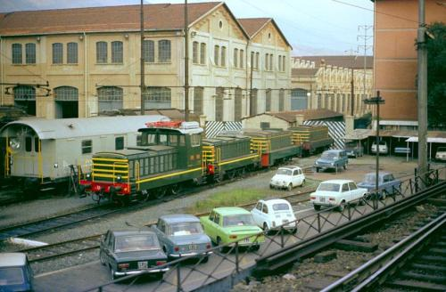 Un 321 serie 200 con tre 322 serie 200 a Genova Rivarolo