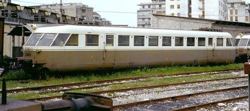 ALb 56 (A benzina, con il motore di un carro armato Sherman!) delle Ferrovie e Tramvie Vicentine, per la Vicenza-Noventa nel 1975.