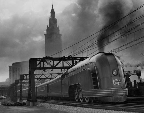 Il Mercury nei pressi della stazione di Cleveland. Foto © J. Baylor Roberts, National Geographic