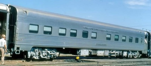 "Santa Fe 10 Roomette-6 Bedroom sleeper ""Pine Fern"" costruita da Budd nel 1950. Foto © Bill 1996 da http://abpr.railfan.net"