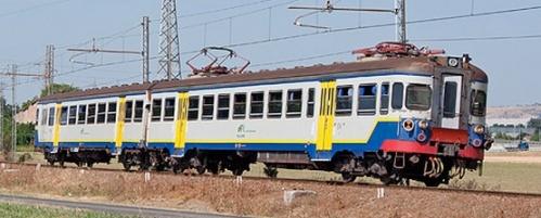 LA GTT ALe 054.04 passata a Tper ma ancora in livrea torinese. Formingine (MO) 2013. Foto © Alessandro Destasi da flickr