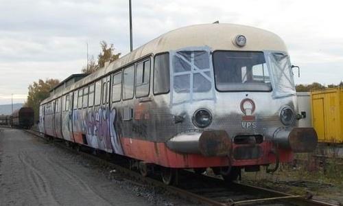 Il D.51 accantonato e graffitato