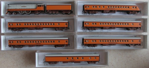Hiawatha con Class A e 6 carrozze, di Fox Valley Models