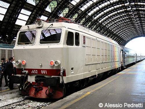 """LA E.652.001 """"locomotiva fantasma"""" Foto © Alessio Pedretti, dal sito Locomodels"""