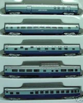 Le carrozze del Blue Goose (Con-cor) . Foto da ebay.
