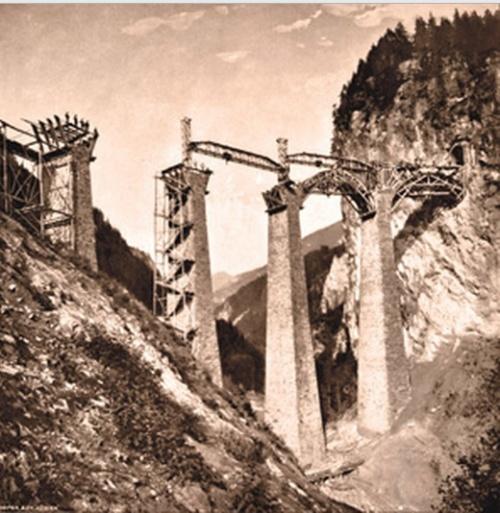 Costruzione degli archi - immagine da Archivio RhB