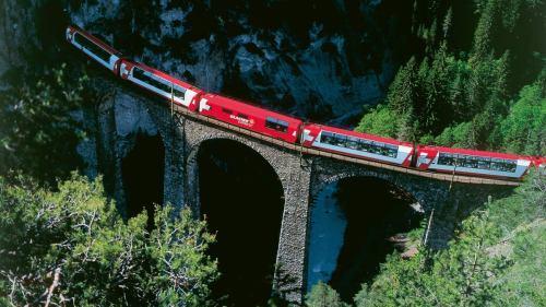 Foto © Rhaetische Bahn: swiss-image.ch/Christof Sonderegger