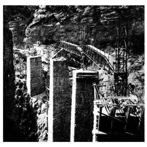 Costruzione del viadotto - foto da Archivio storico RhB