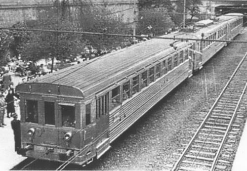 """Tolloni FNM nel 1952 - foto © Garzi da Cornolò """"Cent'anni di storia...FNM"""""""
