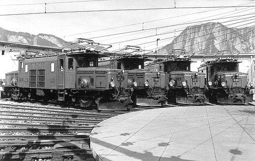 Ge 6/6 I 415 & Ge 6/6 I 408 & Ge 6/6 I 407 & Ge 6/6 I 406 (Foto: Archiv Arthur Meyer) da schienenfahrzeuge.netshadow.at