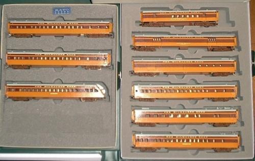 Set di carrozze Hiawatha  ottenuto da un kit (la scatola Kato é solo un contenitore).