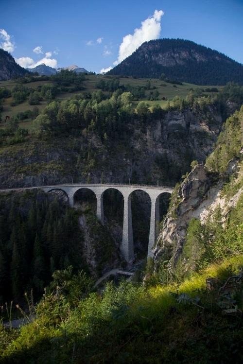 Il Landwasser Viadukt. Foto ©  Marek da http://www.vlaki.info/