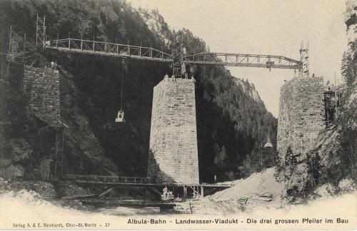 Fase iniziale della costruzione. Cartolina tratta dal bellissimo sito di foto storiche della RhB http://modellbahnen.cadosch.org/jos/historische-dokumente