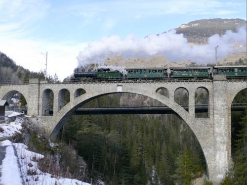 Vapore ai giorni nostri sul Soliser Viadukt - Foto © Herbert Graf da www.bahnbilder.de