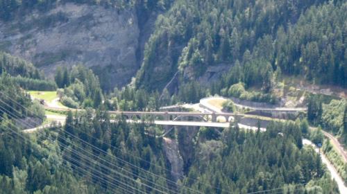 Soliser Viadukt visto nella sua interezza - Foto da de.academic.ru