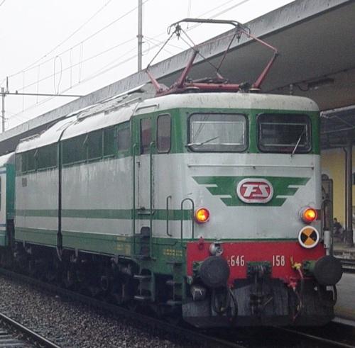 E.646.158 - logo FS rosso con baffo verde - Foto © Walter Canciani da Flickr