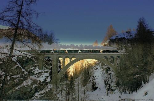 Bellissimo gioco di luci in questo passaggio della Rh.B G4:5 108 sul Wiesener - Foto @ Donadelli da flickr