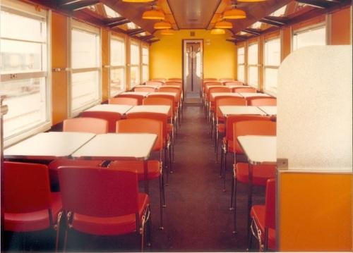 Interno della carrozza, zona sala ristorante