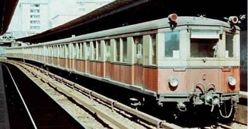 Vollzug ET 168 Oranienburg nel 1960. La motrice in primo piano é la 021. Foto © http://fotocommunity.s-bahn-berlin.de/