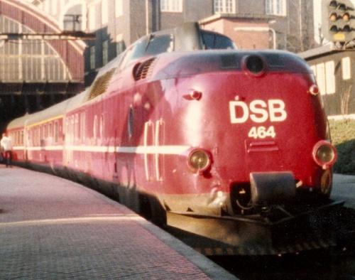 DSB MA464 nella livrea originale rossa. Foto © Johannes J. Smit