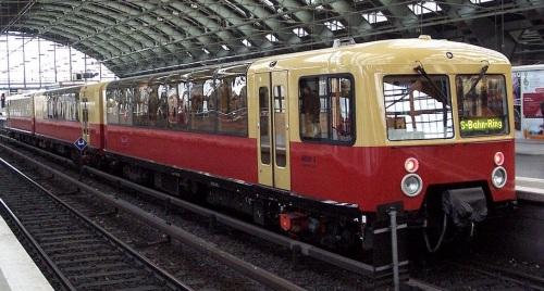 488.0 Panorama S-Bahn nel 2003 - Foto © Yerodin (Creative Commons) da wikimedia