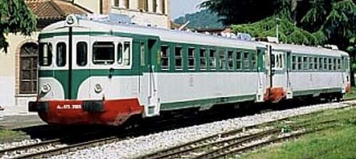 Coppia ALn.773 - Ln.779 in livrea verde/grigio. Dettaglio da una foto © di Luca Catasta da http://www.ferrovieinrete.com/