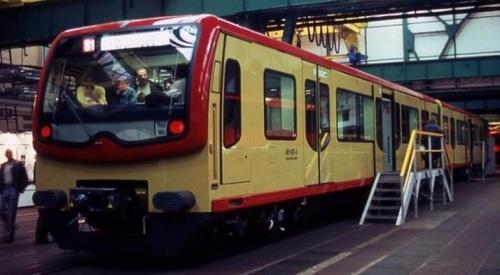 Br 481 nel 1996, con lo schema di colore originale. Foto © gerdboehmer da http://www.drehscheibe-online.de/