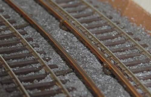 RIproduzione in H0 della terza rotaia della S-Bahn berlinese, da stummiforum.de