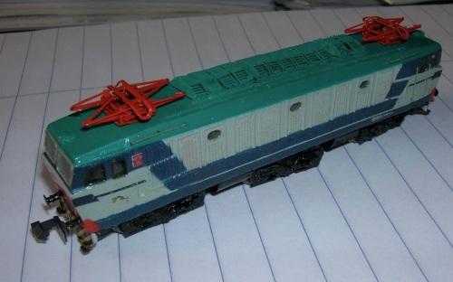 La E.652.058 riprodota in N riverniciando un modello IRmodel - Foto da ebay, credo di Orazio Cipriani