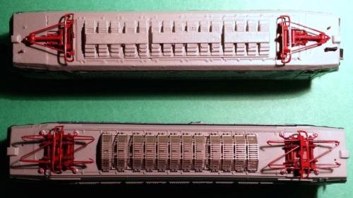 Confronto tra l'imperiale con resostati TIBB, modello IRModel, e quello con reostati Fusani, modello LoCo. Si può anche notare la finezza dei reostati LoCo realizzati in fotoincisione.