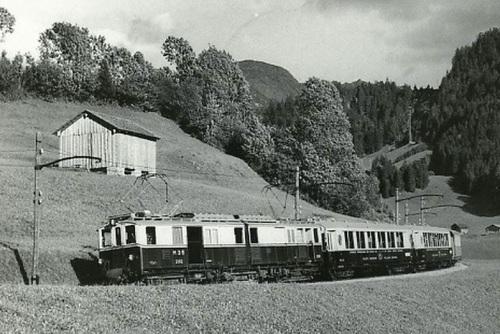 """1938, Un """"Sonderzug"""" della MOB vede eccezionalmente in azione le carrozze Pullman trainate dalla FZe 6/6"""