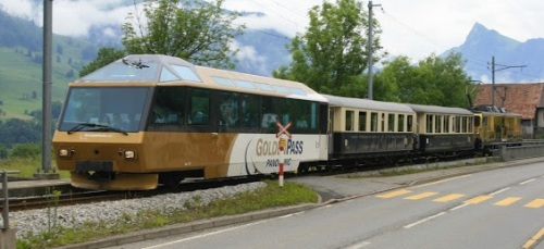 LA moderna semipilota usata nel Train Du Chocolat. Foto da swissrailpictures.blogspot.it/