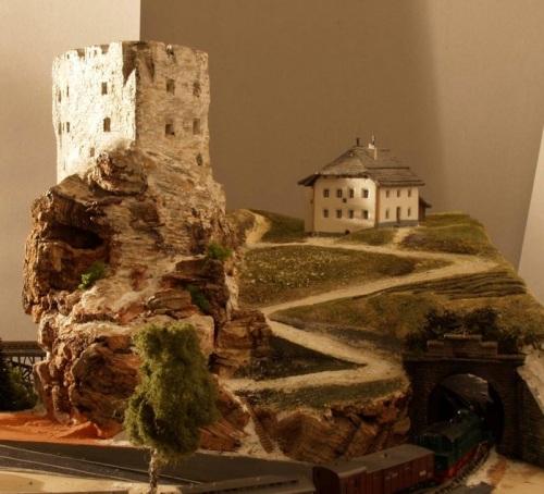 Salita al Castello e Rifugio  - Foto Dalli