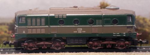 La D.341 con i carrelli della E.424, foto da trenini.jimdo.com