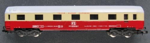 Lima 320303, ispirata alle Gran Comfort ma senza alcuna relazione con il vero. Immagine da lima-n-scale-freight-cars.webnode.cz