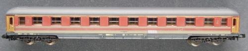 a nuova Lima 320852 UCI-X di lunghezza corretta in livrea rosso fegato, da lima-n-scale-passenger-cars.webnode.cz