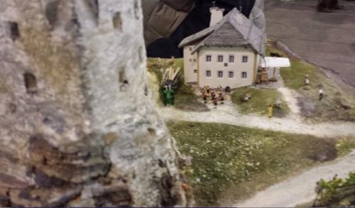 Rifugio Sass Dla Crusc visto da dietro il Castello di Andraz