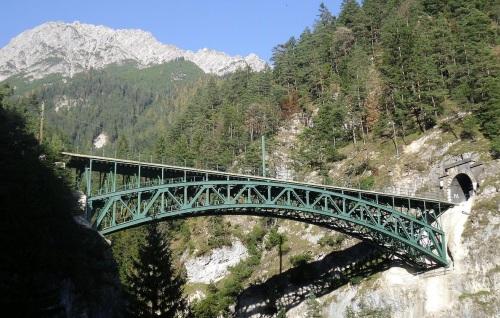 Il ponte sulla fossa di Schlossbach - Foto Creative Commons di Alletto da wikimedia.it
