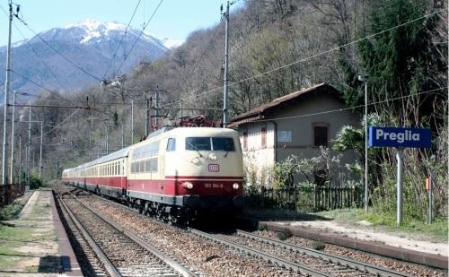 La 103 sotto una catenaria italiana a Preglia. Foto © Ambrogio Mortarino da il Portale Dei Treni