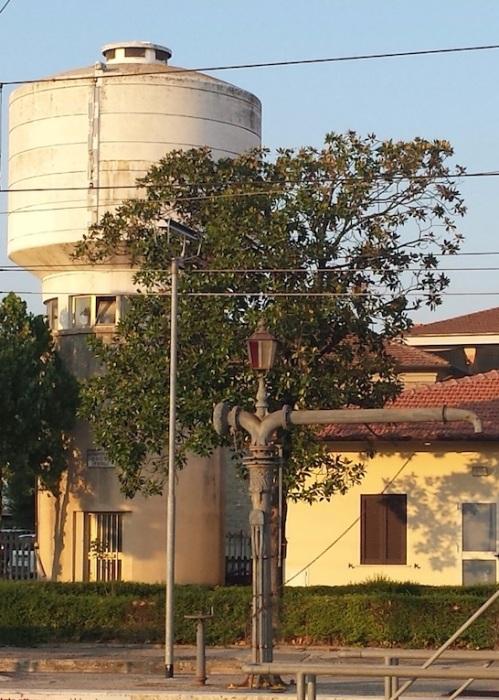 Torre e pompa del'acqua