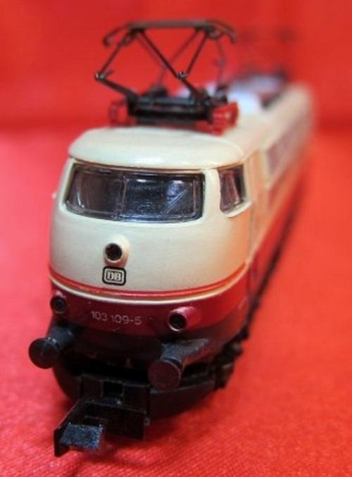 Prima versione del modello Arnold 0235 con pantografi Scheren (da ebay)