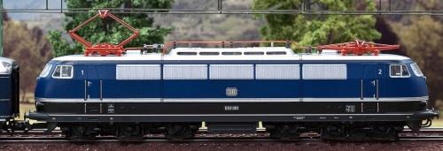 E 03 001 nella (mai esistita) livrea blu proposta da Märklin in H0. Foto da Märklinfan.com