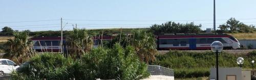 L'Orsetto della Sangritana visto dalla spiaggia di Termoli