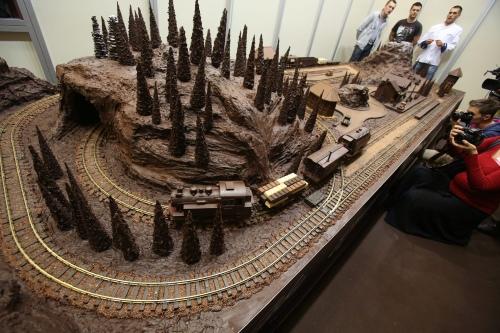 La versione del plastico di cioccolata presentata al International Chocolate and Sweets Festival, foto da