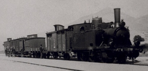 Treno Omnibus a Roccaraso nei primi anni del '900. LA motrice é una Gr.871